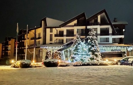 Декември в Банско! 2 или 3 нощувки на човек със закуски и вечери + закрит басейн и релакс зона от Аспен Резорт***