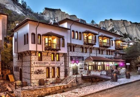 Нощувка на човек със закуска и вечеря + посещение на музея на виното в семеен хотел Булгари***, Мелник
