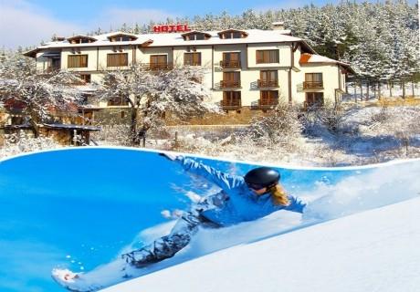 2+ нощувки със закуски и вечери на човек + топъл минерален басейн и спа зона в семеен хотел Друм, Добринище