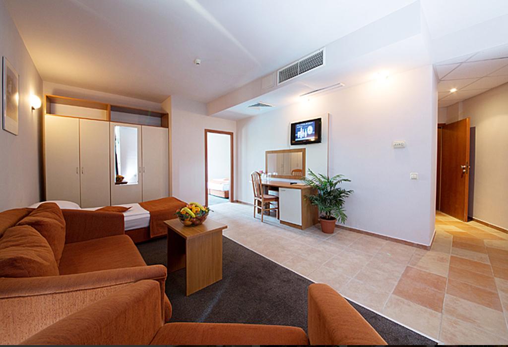 СООЕЕ Mimosa Sunshine Hotel, Златни пясъци, снимка 10
