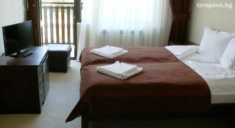 Гергьовден в Трявна! 3 нощувки на човек със закуски и 2 вечери, едната празнична  в хотел Бела, снимка 5