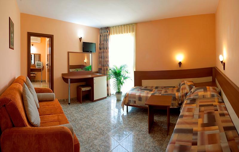 Хотел Карел, между Несебър и Равда, снимка 7