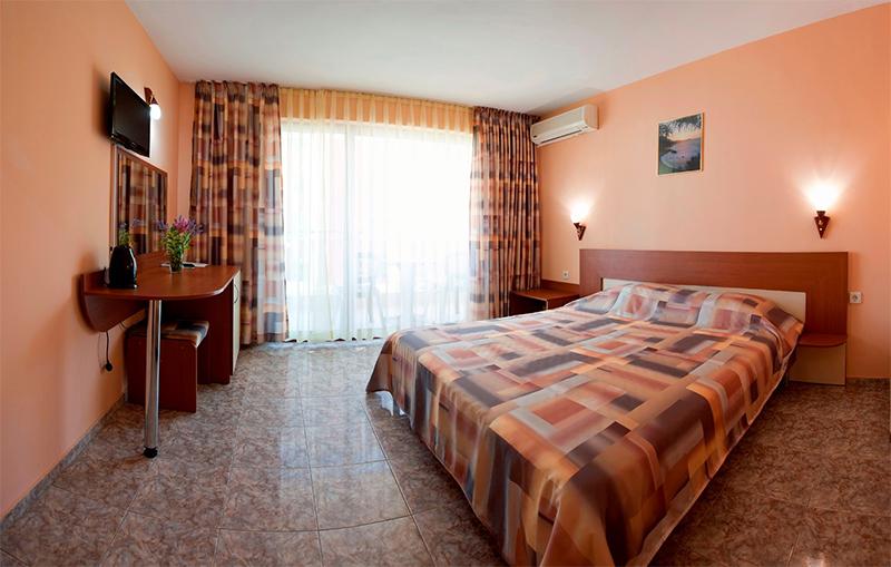 Хотел Карел, между Несебър и Равда, снимка 9
