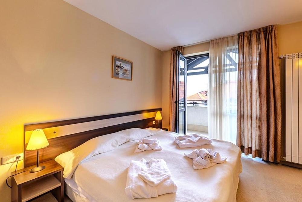 Нощувка в апартамент за четирима + руска баня в  апарт хотел Дрийм***, Банско, снимка 8