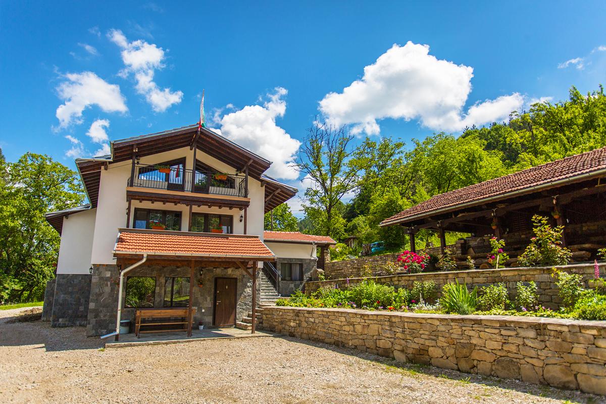 Къща за гости Св. Димитър, Черни Осъм