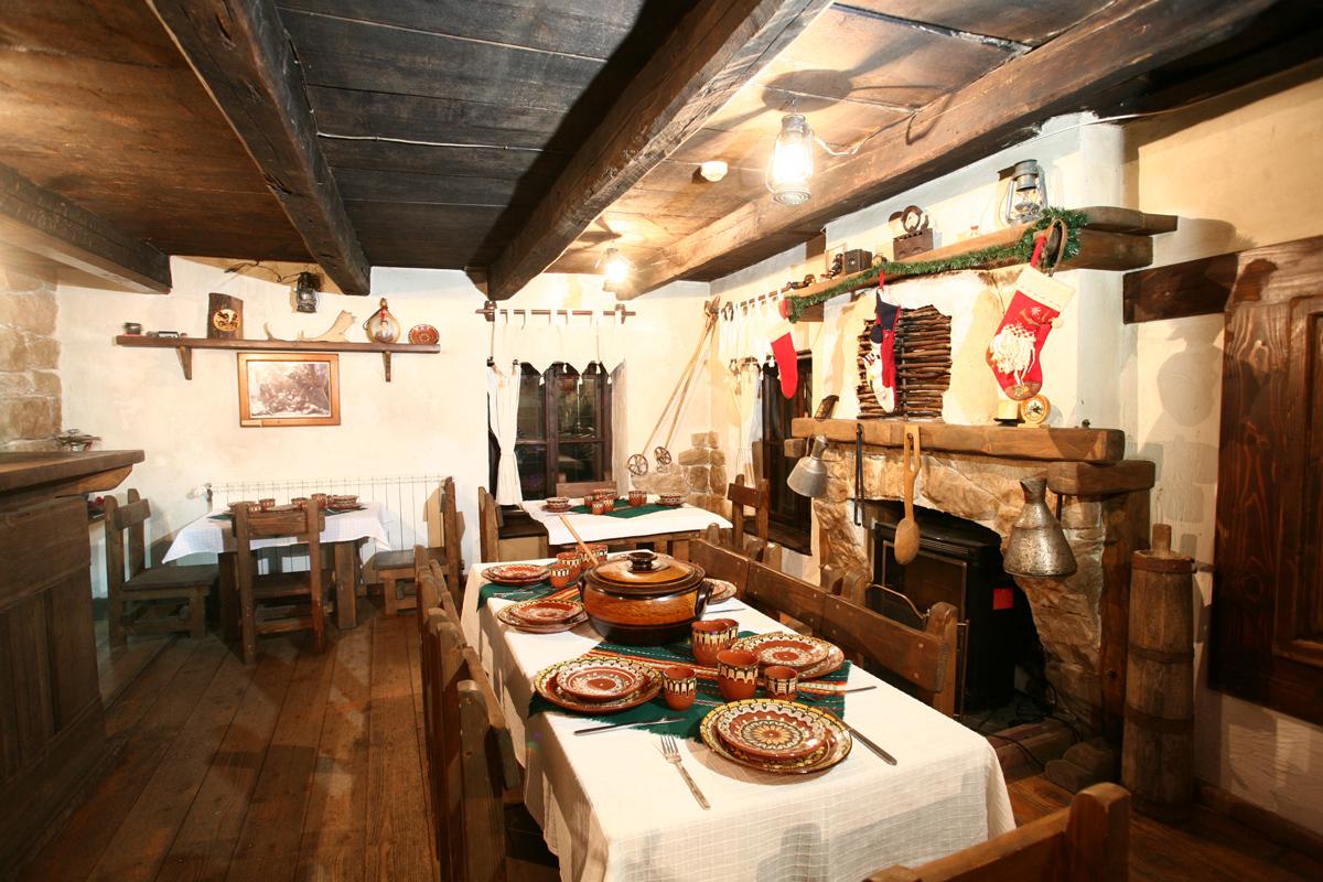 Нощувка със закуска в семеен хотел Златева къща в Банско, снимка 4