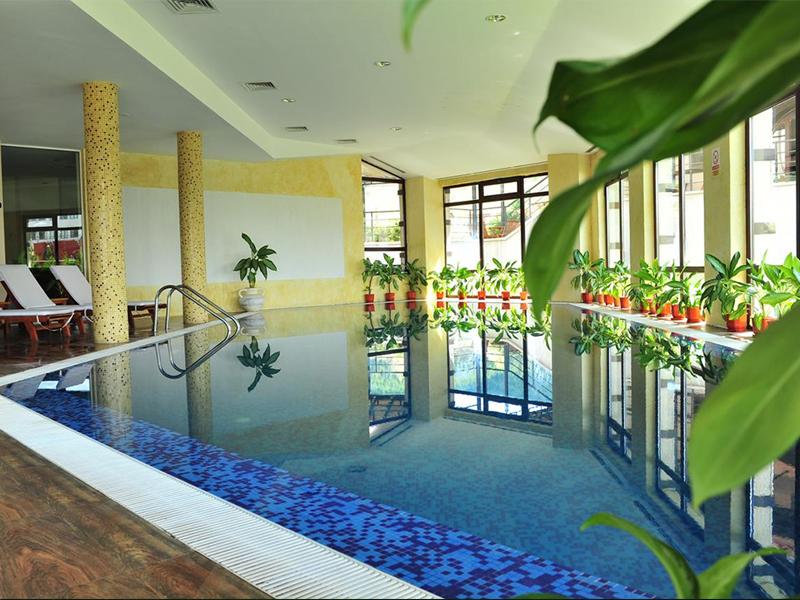 Нощувка на човек със закуска и вечеря + минерален басейн и релакс пакет в хотел Орбел****, Добринище, снимка 3
