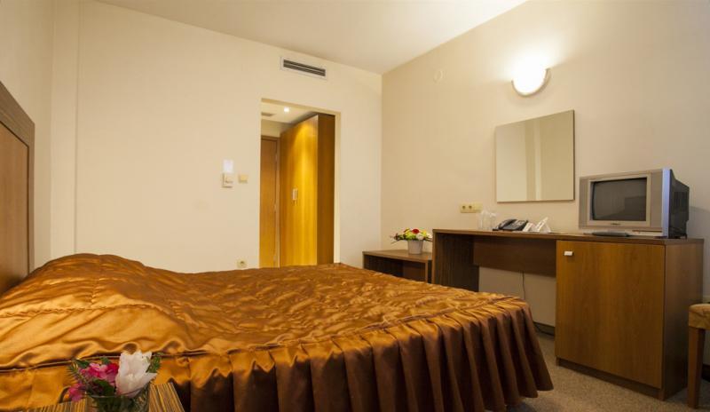 Нощувка на човек в ИнтелКооп, Пловдив, снимка 5