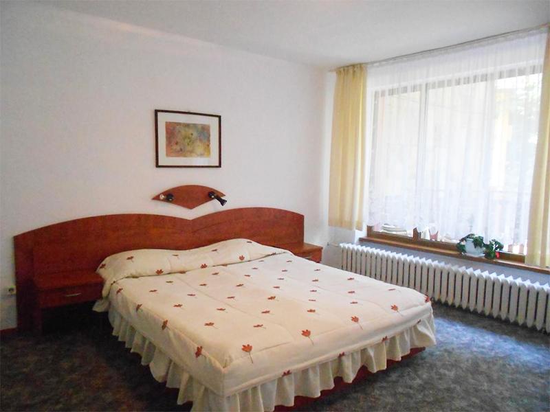 Нощувка на човек със закуска в хотел Калина, Боровец, снимка 5