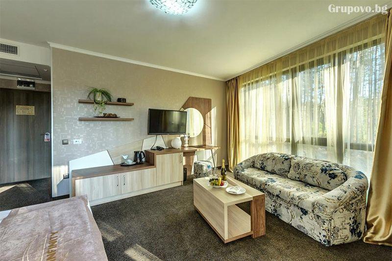 Делнична нощувка за ДВАМА със закуска + минерални басейни и СПА в Инфинити Парк Хотел и СПА****, Велинград, снимка 19