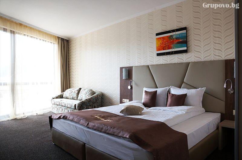 Делнична нощувка за ДВАМА със закуска + минерални басейни и СПА в Инфинити Парк Хотел и СПА****, Велинград, снимка 20