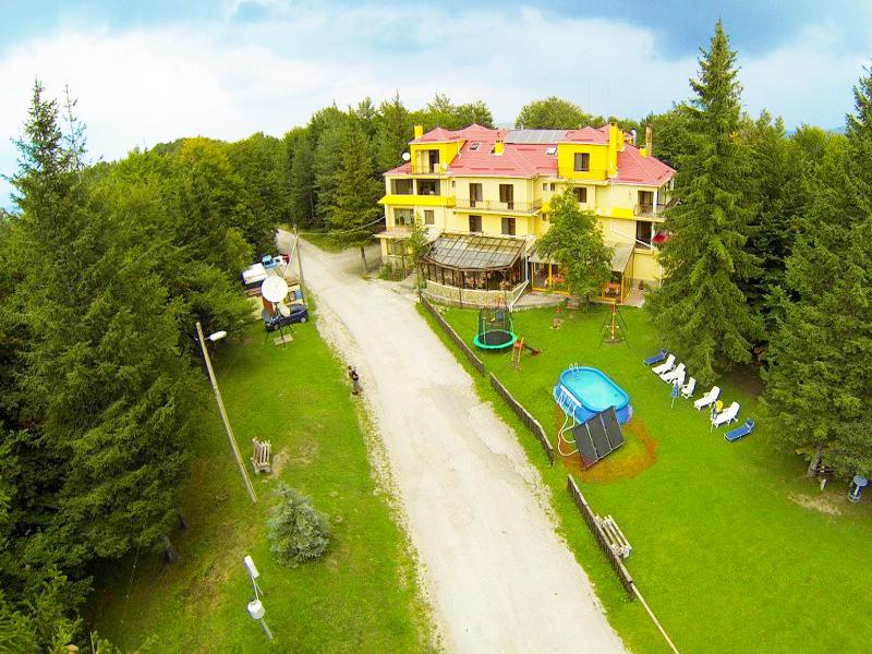Семеен хотел Сима, край Троян