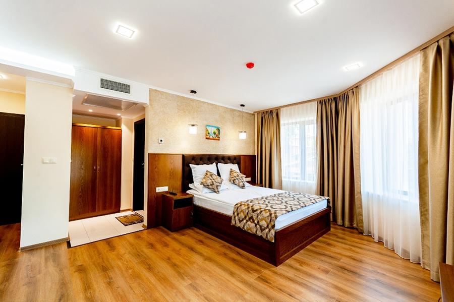 2 нощувки на човек със закуски, вечери по желание +  топъл басейн и релакс зона от хотел Централ, Павел Баня, снимка 11
