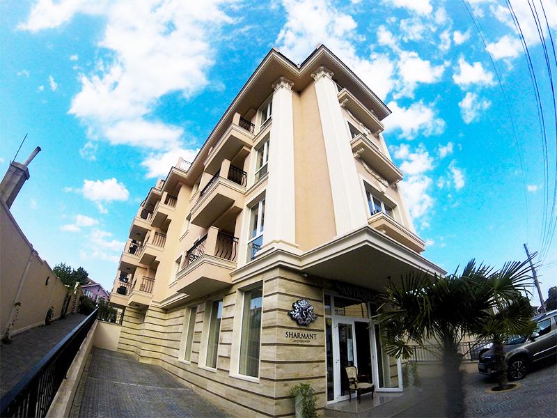 Хотел Сирена Палас, Обзор