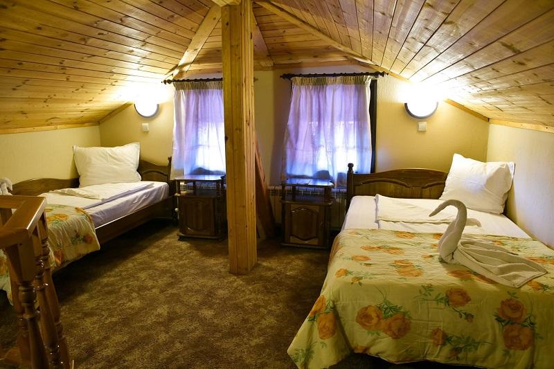 Зима в Банско! Нощувка за двама, трима или четирима в Семеен хотел Свети Георги Победоносец, снимка 5