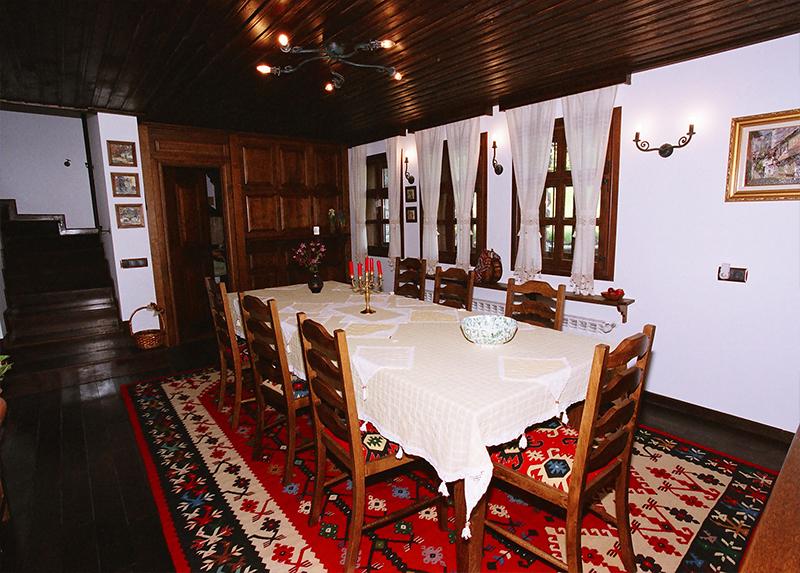 Уикенд в Боженци! 2 нощувки на човек със закуски и вечери в Шарлопова къща, снимка 5