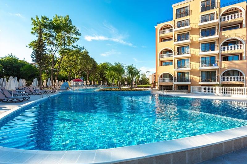 3 + нощувки на човек на база All Inclusive + чадър и шезлонг на плажа + вътрешен и външен плувен басейн в хотел Феста Виа Понтика****, Поморие, снимка 3