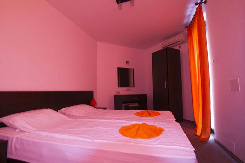 Хотел Салена Плаза, Приморско, снимка 2
