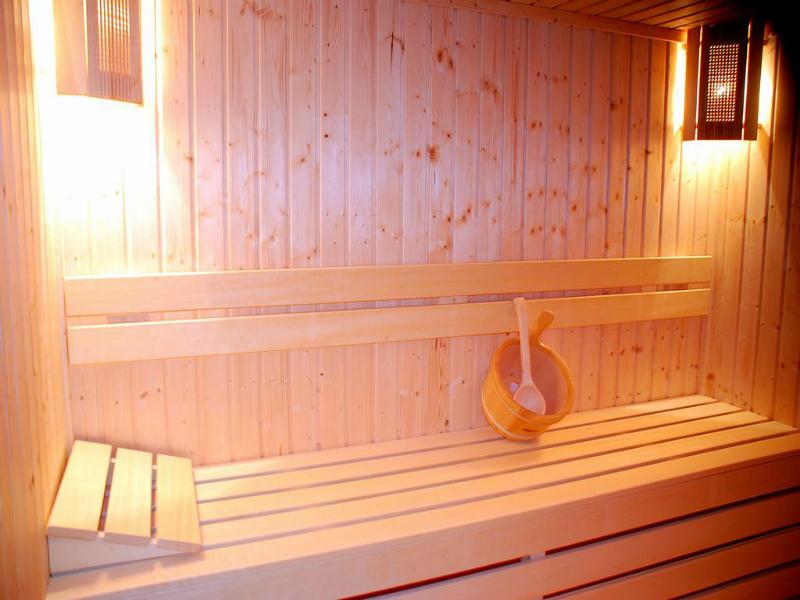 Коледа в Банско. 2, 3 или 4 нощувки на човек със закуски и празнична вечеря + релакс пакет в къща  за гости Ела, снимка 3