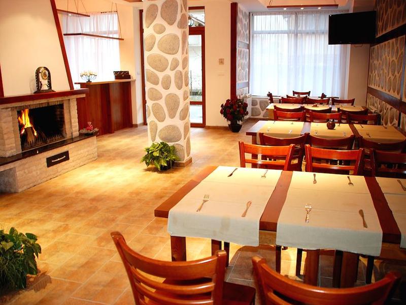 Ски почивка в Банско. Нощувка със закуска* на човек + релакс пакет в къща за гости Ела, снимка 11