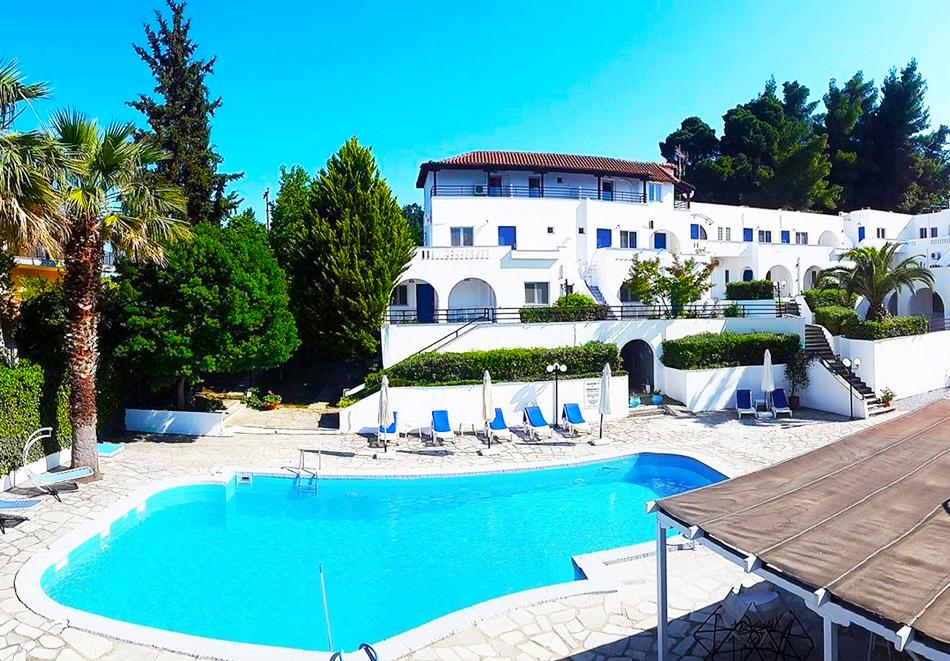 Theo bungalows Asteri hotel,  Криопиги, Касандра,  Гърция