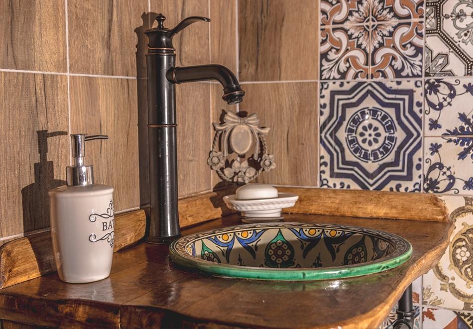 Наем за 1, 2 или 3 нощувки на самостоятелна къща за до 14 човека + барбекю, механа от къща за гости Боряна, село Борово, край Асеновград, снимка 6