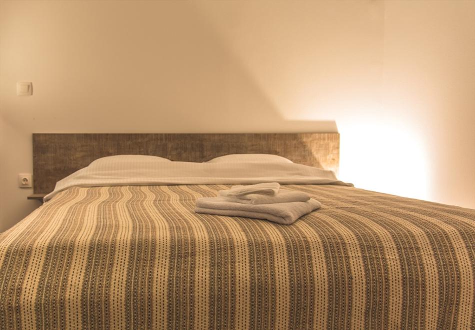 Наем за 1, 2 или 3 нощувки на самостоятелна къща за до 14 човека + барбекю, механа от къща за гости Боряна, село Борово, край Асеновград, снимка 5