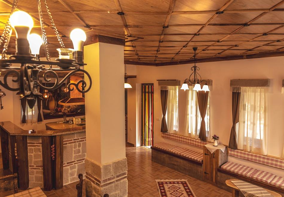Наем за 1, 2 или 3 нощувки на самостоятелна къща за до 14 човека + барбекю, механа от къща за гости Боряна, село Борово, край Асеновград, снимка 11