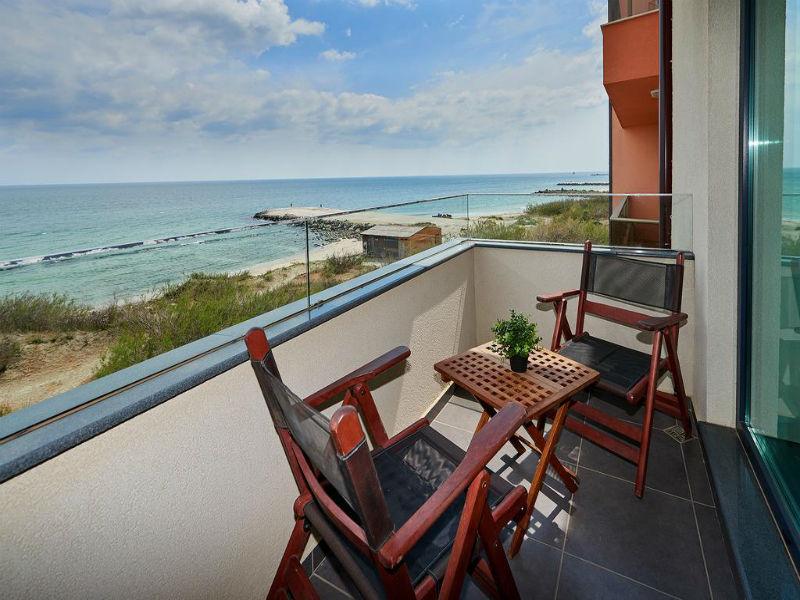 Нощувка в апартамент с капацитете 6 или 8 човека, на 10м. от плажа в Ботабара дел Мар Апартмънтс, Поморие, снимка 11