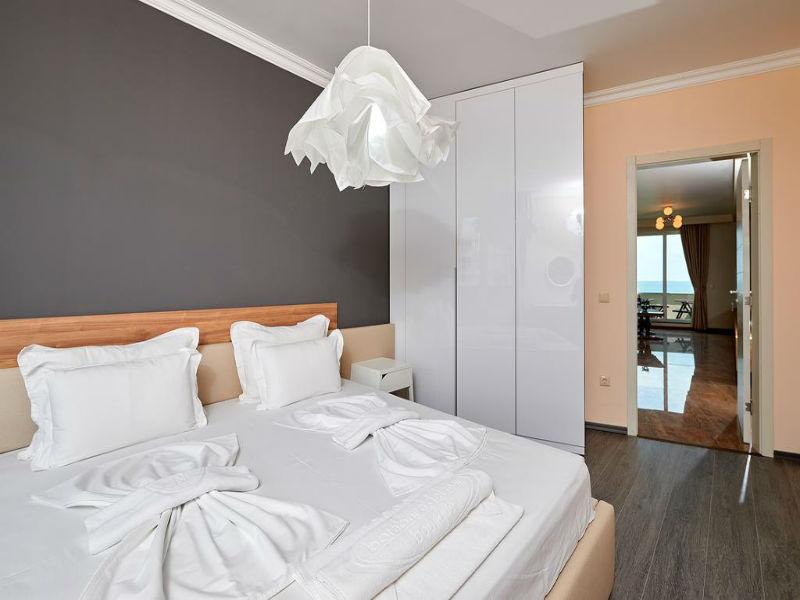 Нощувка в апартамент с капацитете 6 или 8 човека, на 10м. от плажа в Ботабара дел Мар Апартмънтс, Поморие, снимка 9