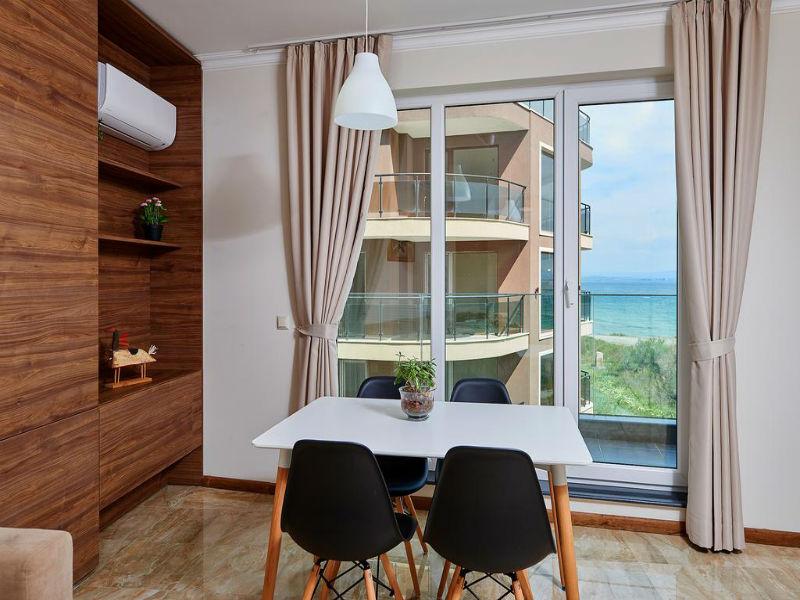 Нощувка в апартамент с капацитете 6 или 8 човека, на 10м. от плажа в Ботабара дел Мар Апартмънтс, Поморие, снимка 5