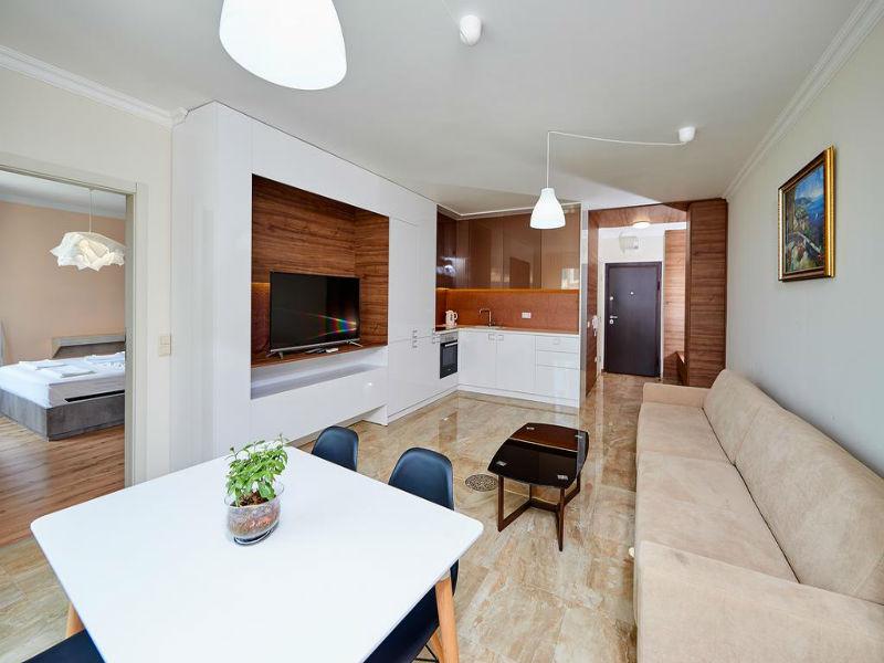 Нощувка в апартамент с капацитете 6 или 8 човека, на 10м. от плажа в Ботабара дел Мар Апартмънтс, Поморие, снимка 4