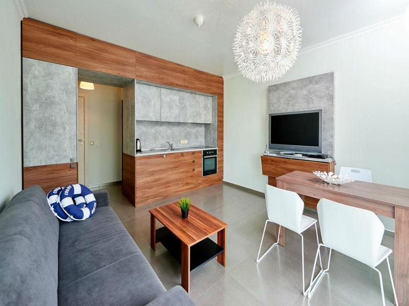 Нощувка за до петима в апартамент с 1 или 2 спални от Атлантик Апартментс, Поморие, снимка 9