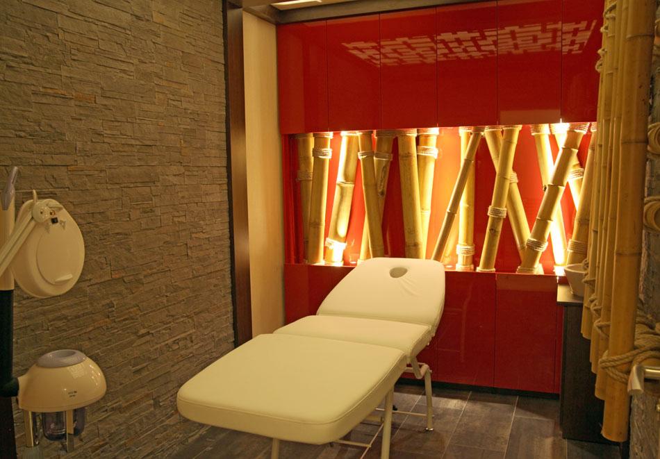 Нощувка на човек със закуска + басейн  в хотел Аква Вю****, Златни пясъци. Дете до 13г. – безплатно!, снимка 7