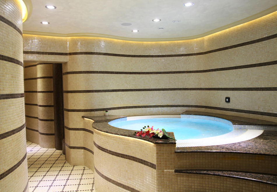 Нощувка на човек със закуска + басейн  в хотел Аква Вю****, Златни пясъци. Дете до 13г. – безплатно!, снимка 4