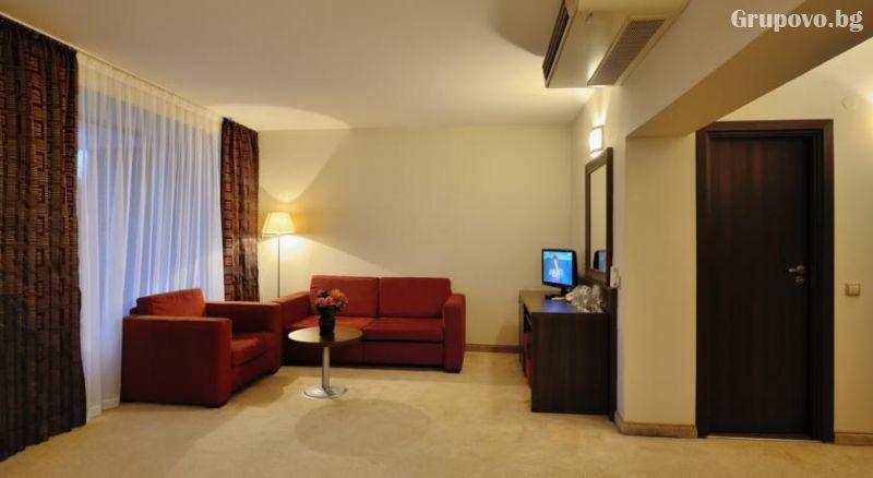 Уикенд в хотел Сана Спа****, Хисаря! 2+ нощувки за ДВАМА със закуски + минерален басейн и СПА пакет. ДЕТЕ ДО 12г. БЕЗПЛАТНО!, снимка 13