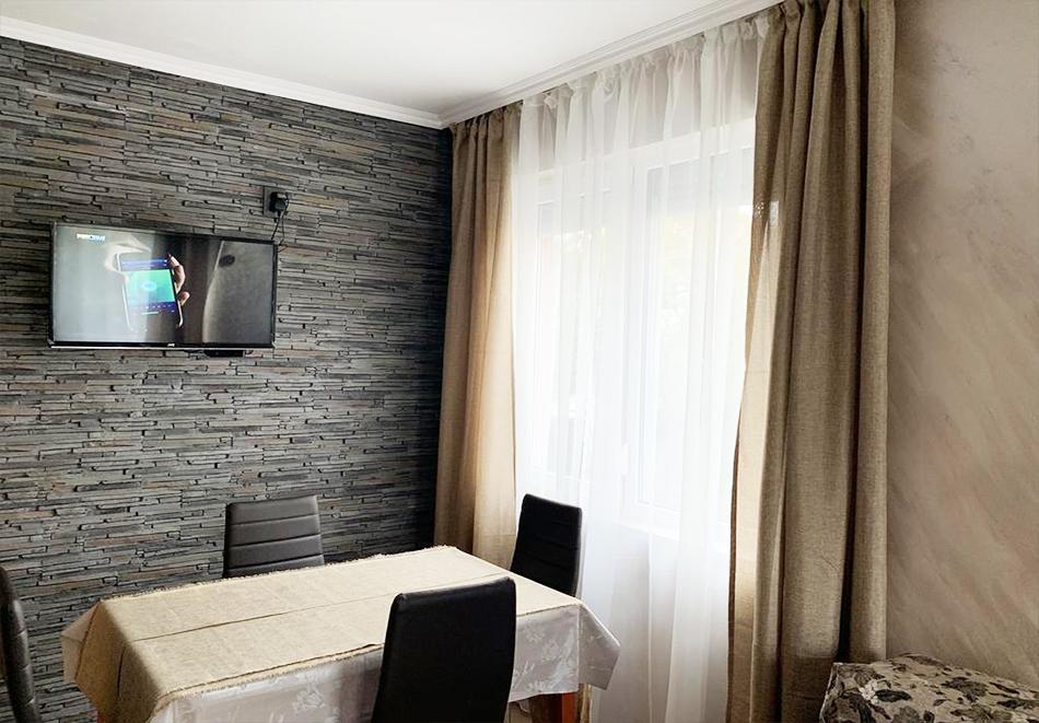 Нощувка до четирима в апартамент за гости Катлея 2,  Сарафово, Бургас, снимка 3