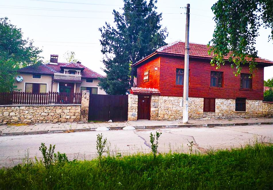 Къщи за гости Маарата, Крушуна