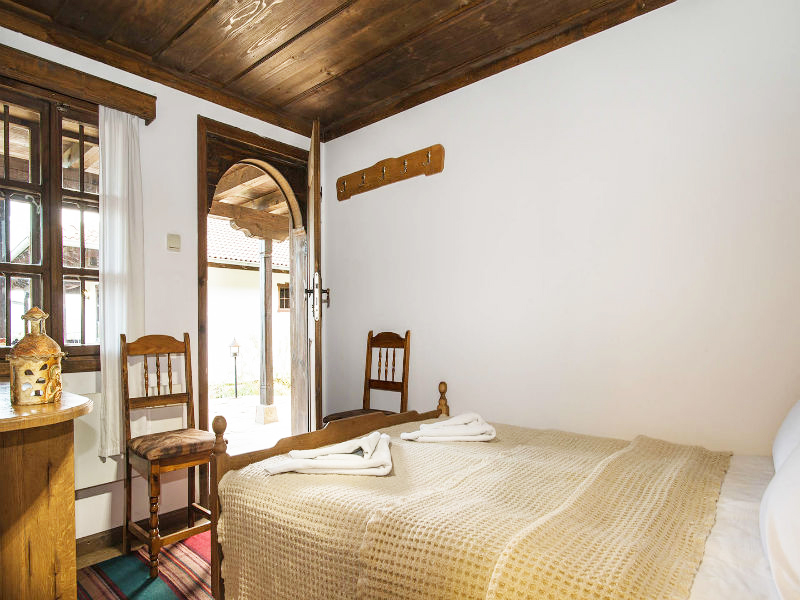 Костадиновите къщи хотел Съни Хилс и СПА, гр. Елена, снимка 8