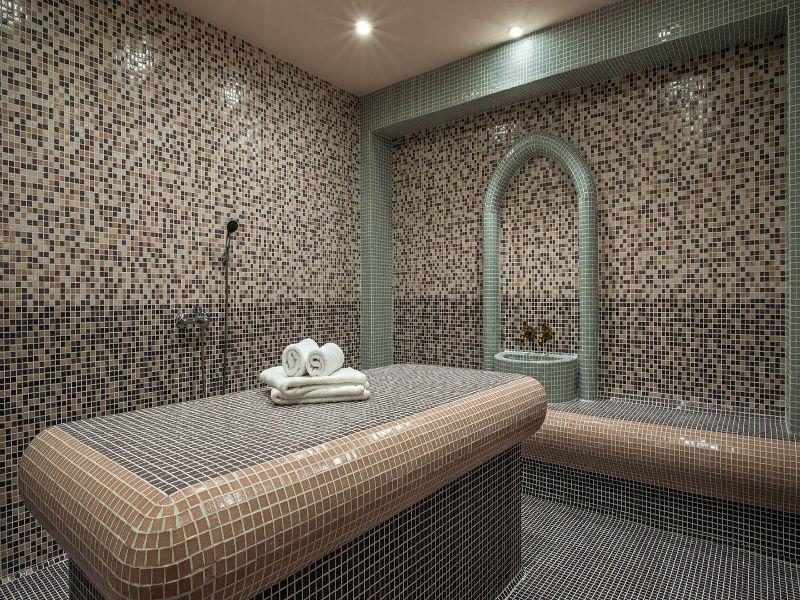 Костадиновите къщи хотел Съни Хилс и СПА, гр. Елена, снимка 3