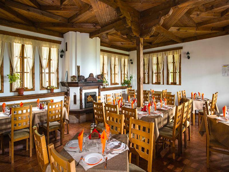 Костадиновите къщи хотел Съни Хилс и СПА, гр. Елена, снимка 12