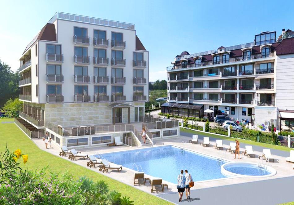 На първа линия в Кранево. Нощувка на човек на база All inclusive + басейни, шезлонг и чадър от хотел Верамар Бийч****, снимка 2