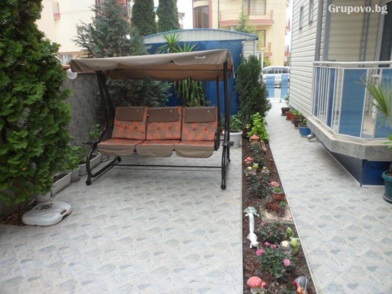 Нощувка на човек в семеен хотел Сияние, Равда, снимка 6