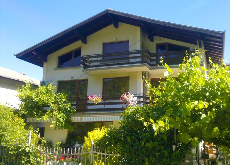Къща за гости Славина, Сапарева баня