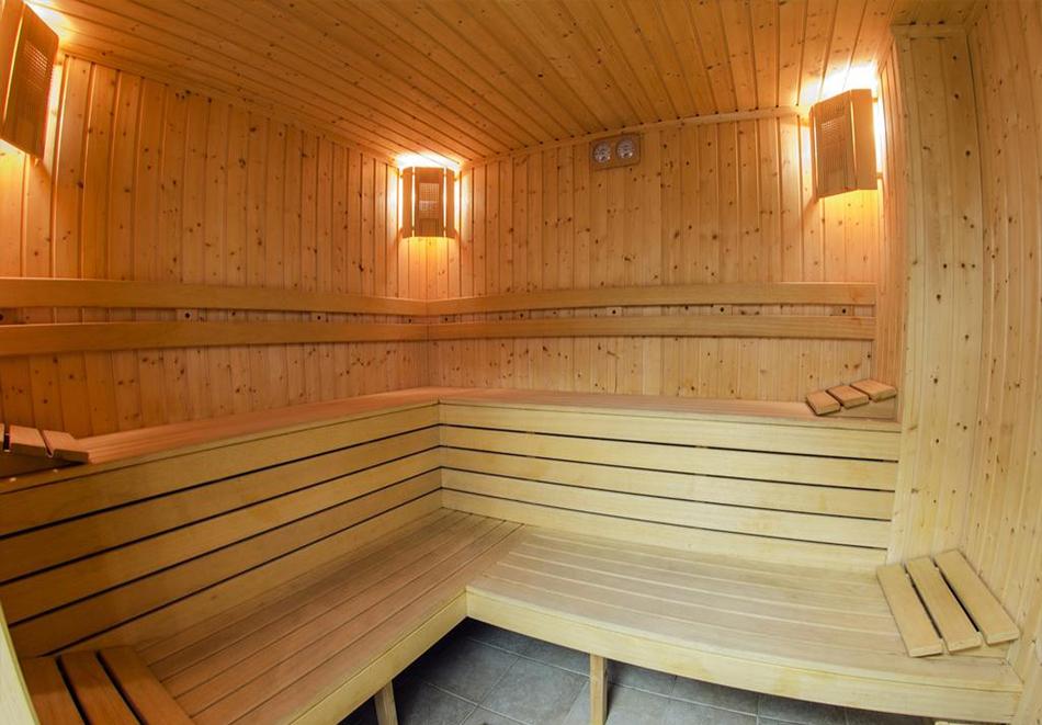 2 нощувки на човек със закуски, 1 следобедна закуска + масажи и релакс зона от Грийн Лайф Фемили Апартмънтс, Пампорово, снимка 3