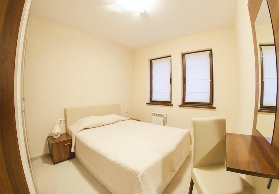 2 нощувки на човек със закуски, 1 следобедна закуска + масажи и релакс зона от Грийн Лайф Фемили Апартмънтс, Пампорово, снимка 4