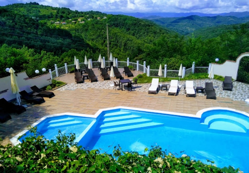 Хотел Балани, село Баланите