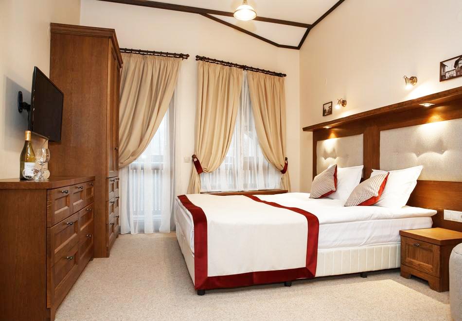 Великден в Банско! 2, 3 или 4 нощувки на човек със закуски и вечери, празничен обяд* + топъл басейн и СПА зона в хотел 7 Пулс & СПА Апартмънтс, снимка 13