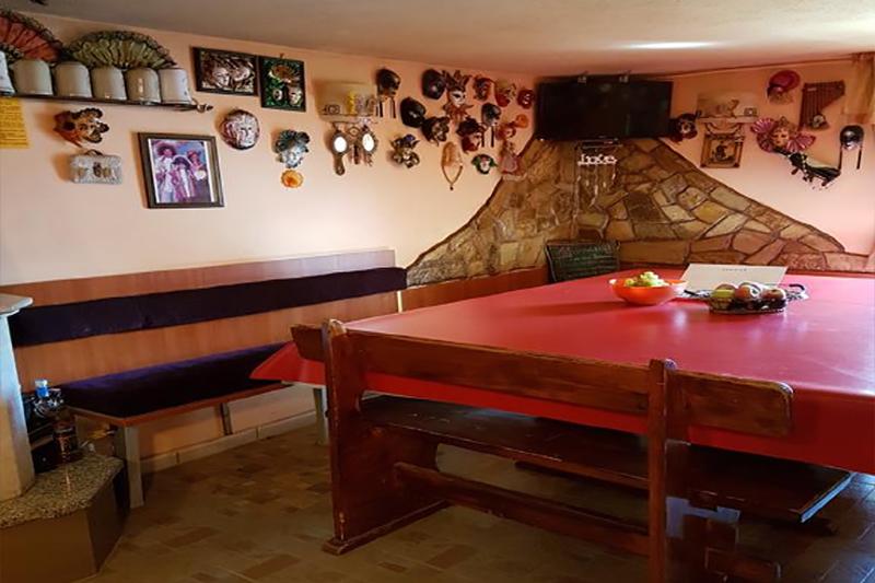 Нощувка на човек само за 20 лв. в къща за гости Света Анна, Стрелча, снимка 5