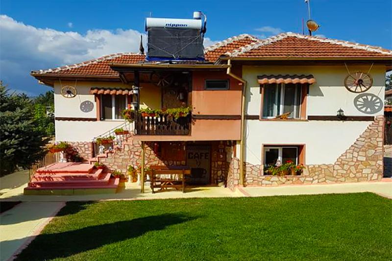 Къща за гости Света Анна, Стрелча